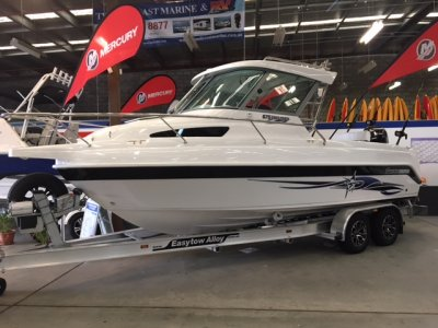 New Haines Hunter 675 Enclosed