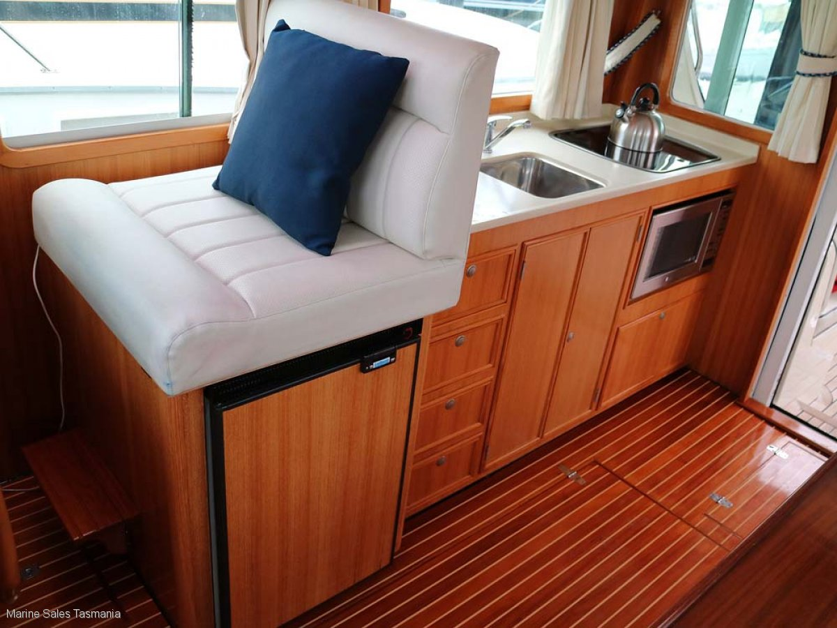 Halvorsen 38 Gourmet Cruiser