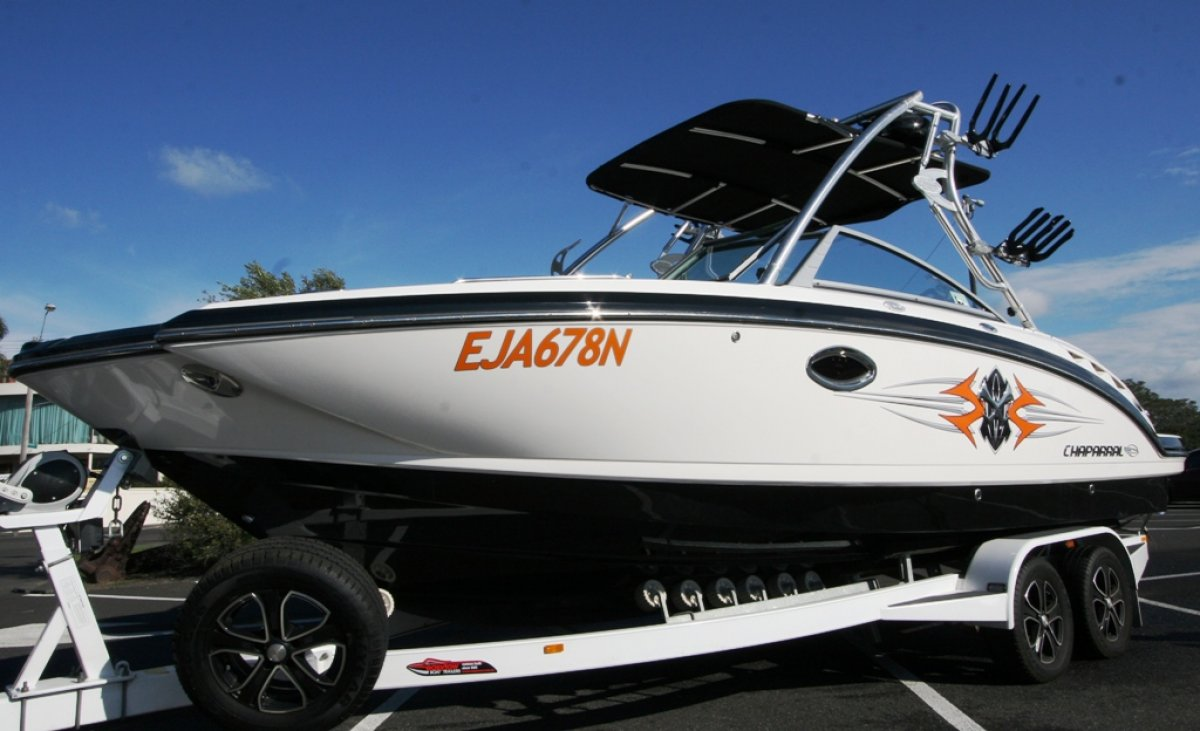 Chaparral 244 Xtreme bowrider, wakeboat