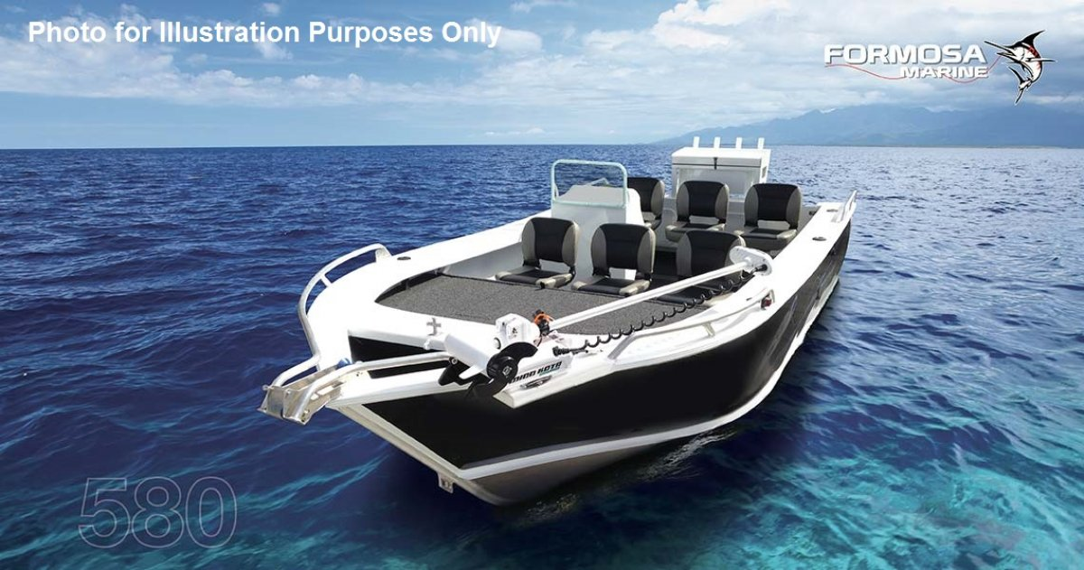 Formosa Tomahawk Offshore 480 Side Console