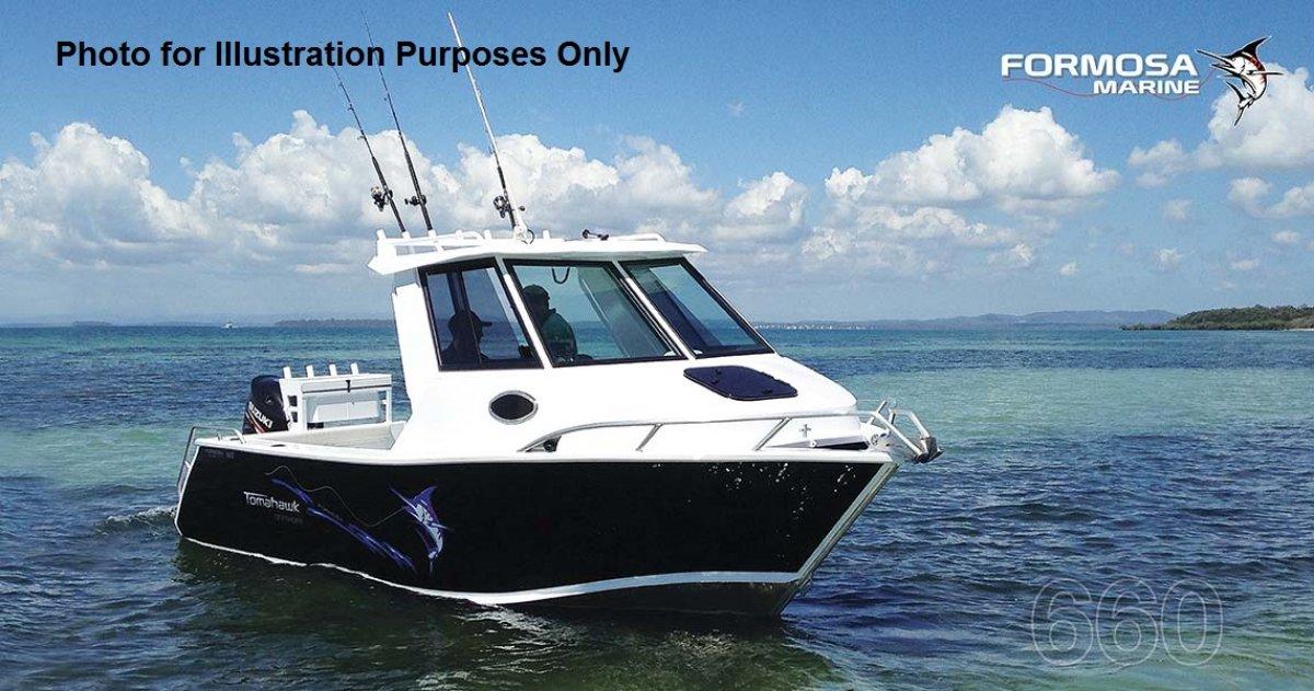 Formosa Tomahawk Offshore 580 Half Cabin