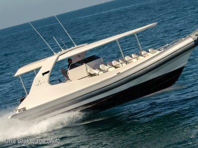 Elite 11.4m Jet Boat