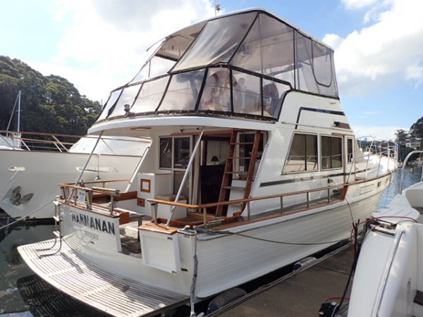 Island Gypsy 44 Aft Cockpit Flybridge Cruiser