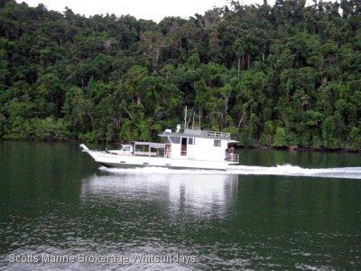 Custom 16m Barge
