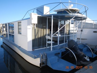 Sensational Custom House boat