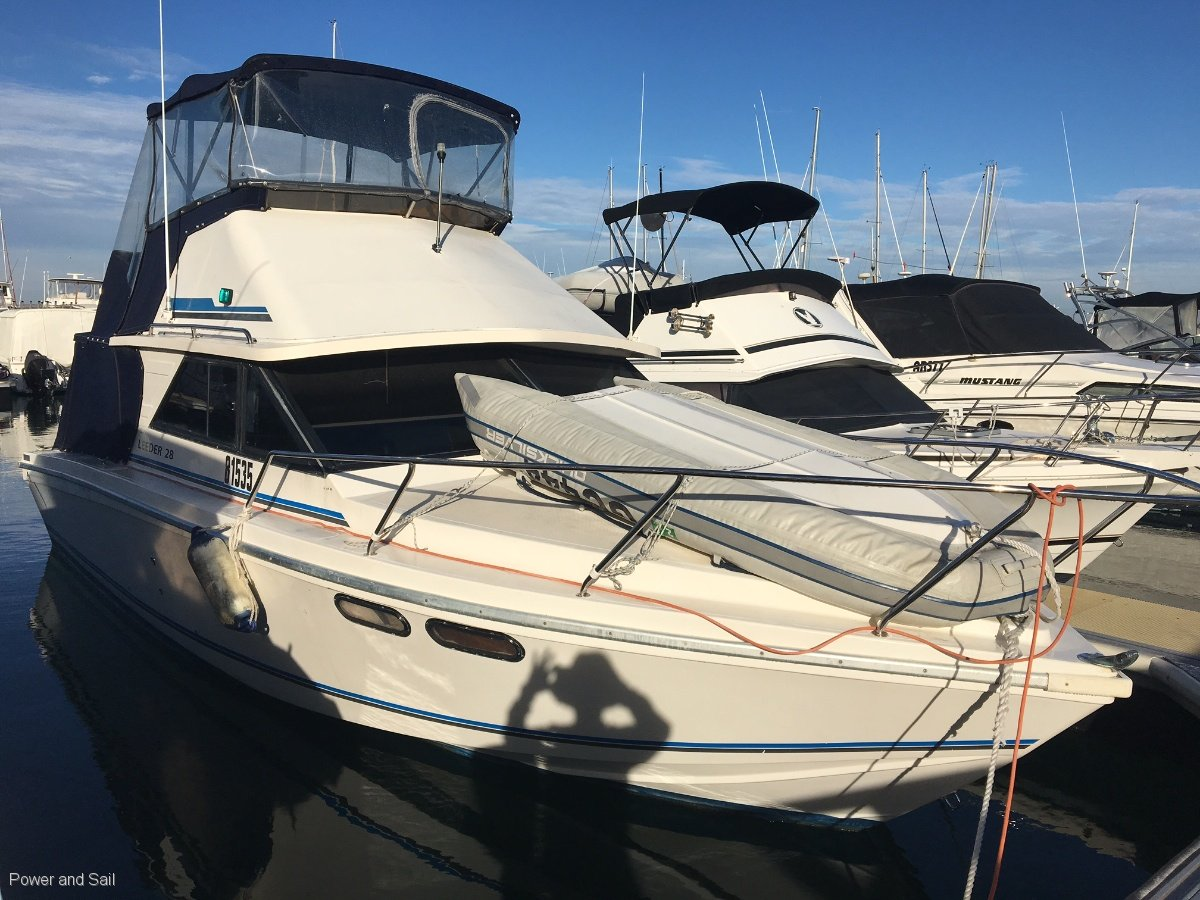 Leeder 28 Flybridge Ready to Roll and nothing to spend