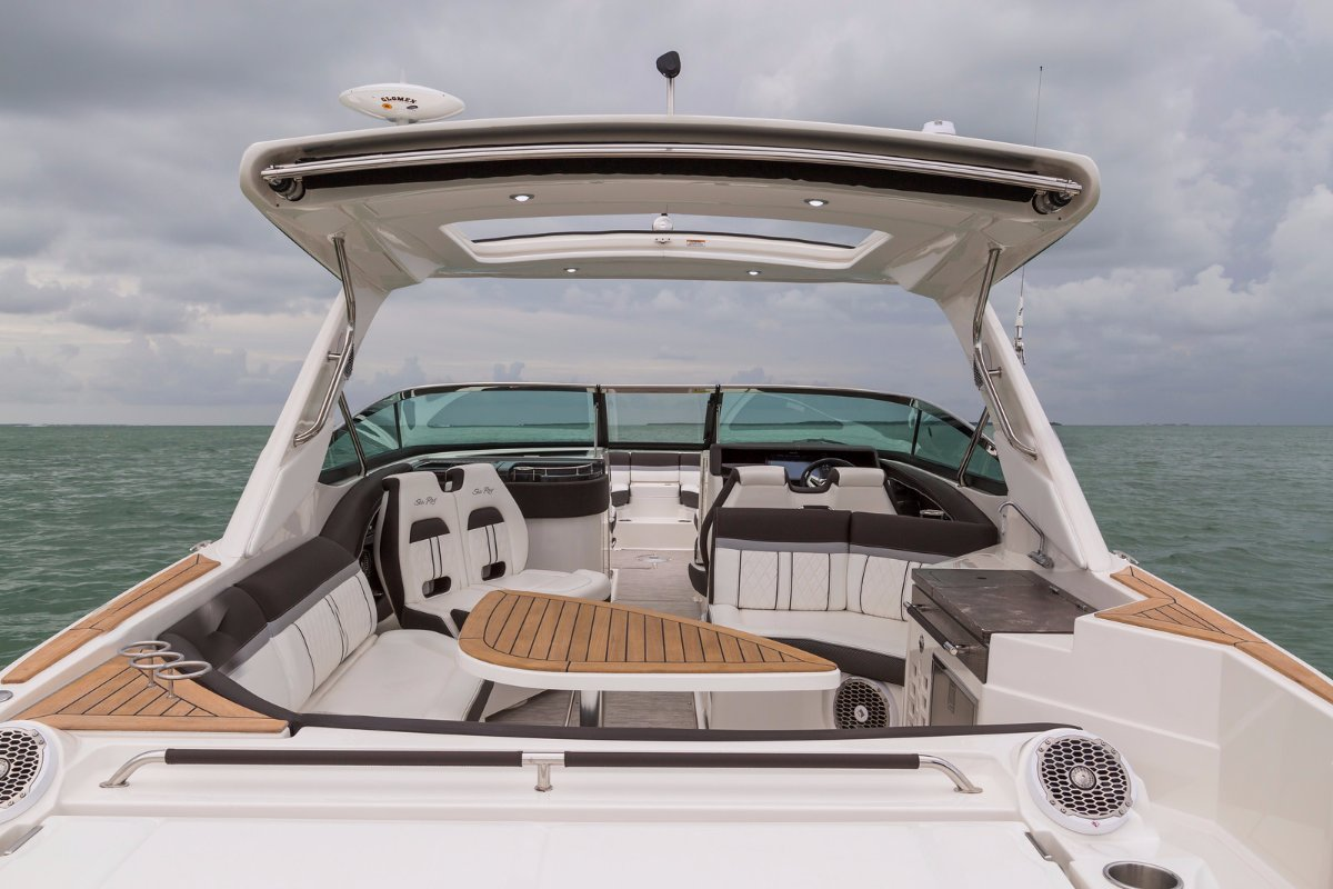 Sea Ray 350 SLX OB Bowrider