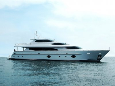 Horizon Yacht 105