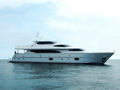 Horizon Yacht 105 Skylounge