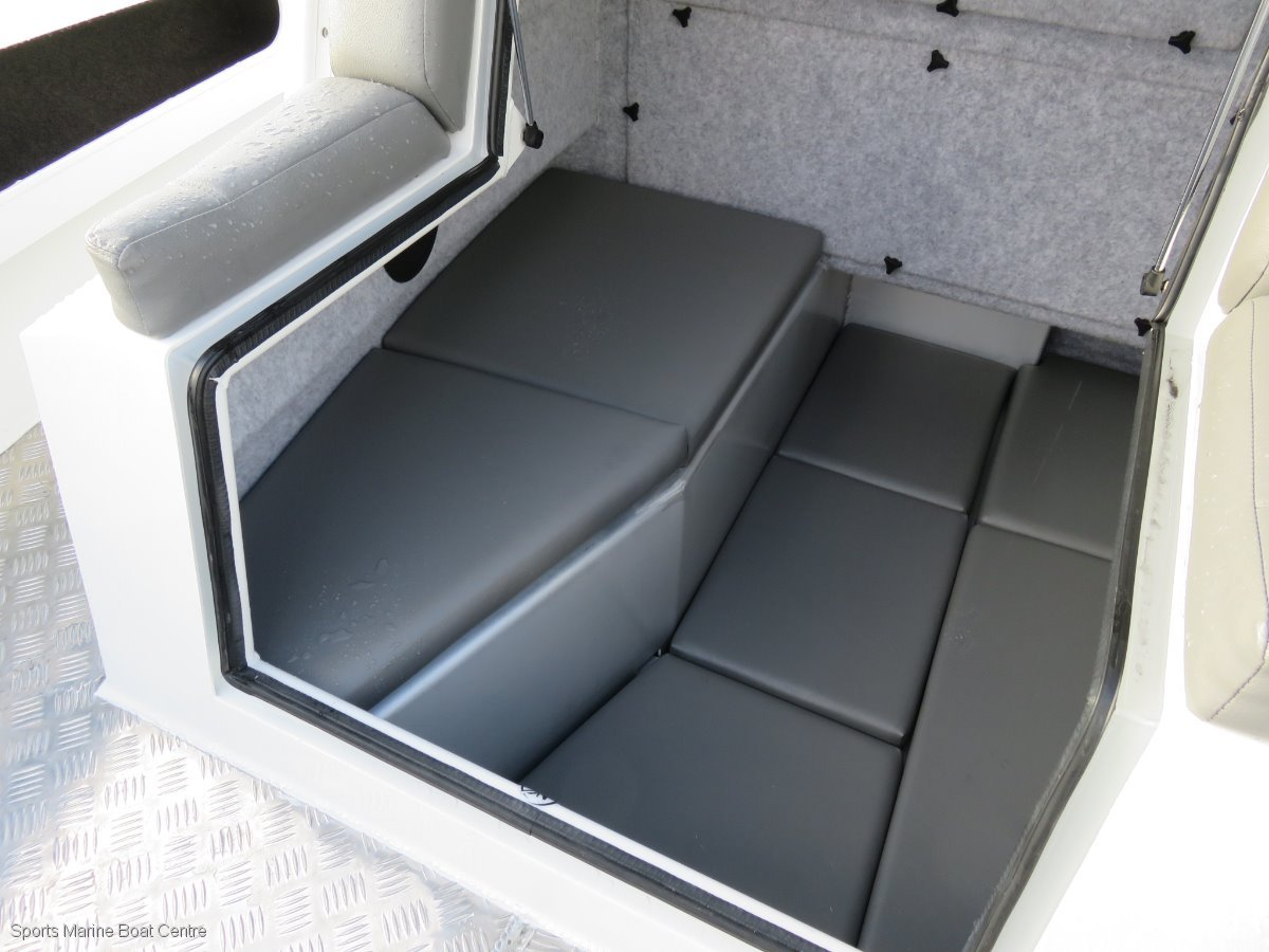Extreme 745 Centre Console