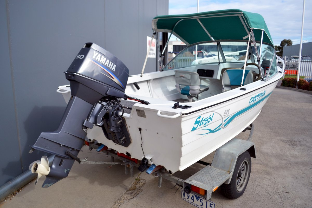 Stessl 415 Angler powered with 30HP Yamaha oil injected