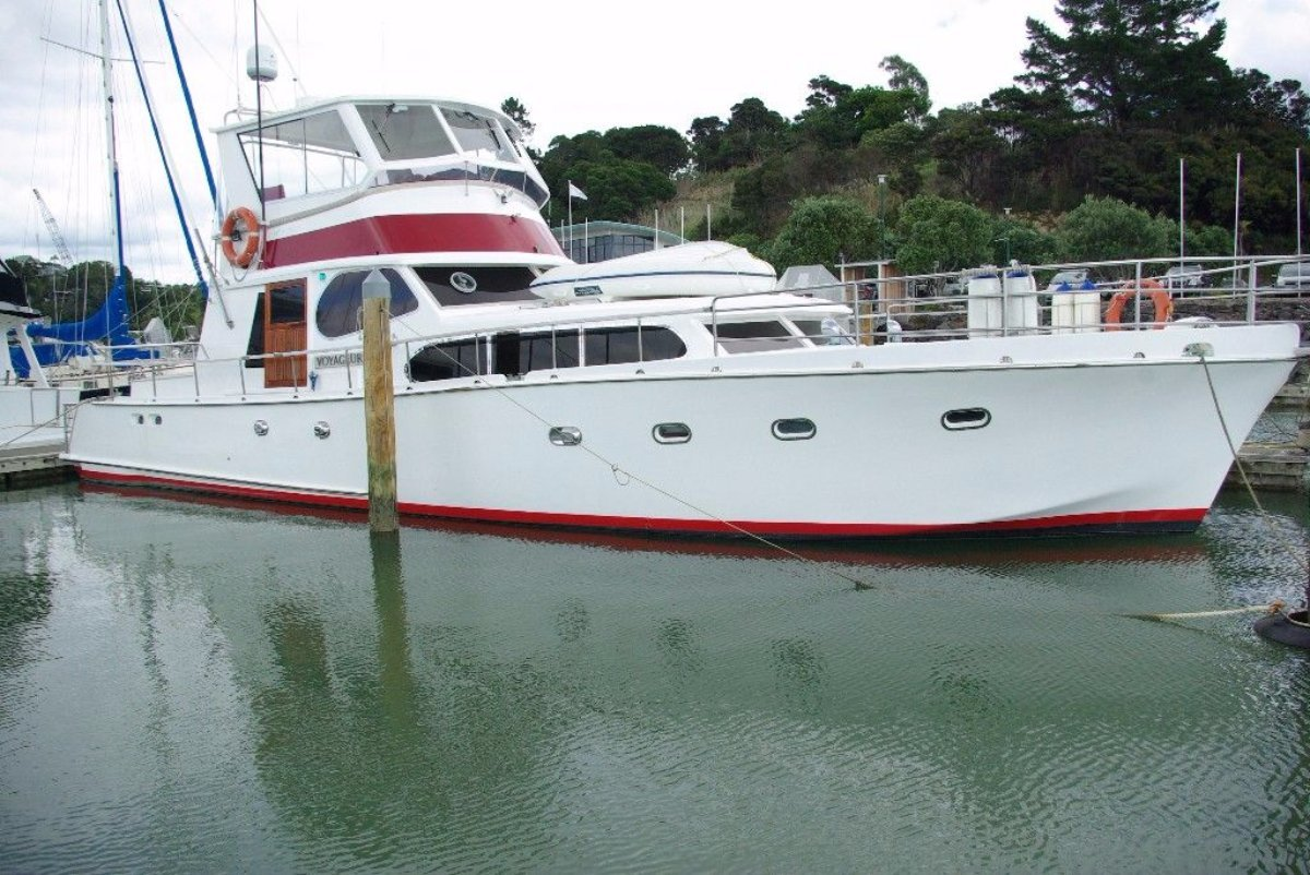 Chris Craft Flybridge