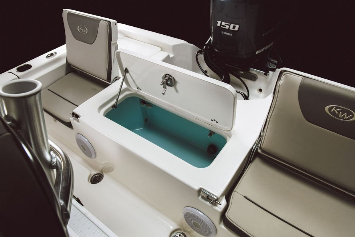 Key West 210br TOURNAMENT CENTRE CONSOLE FISHING BOAT