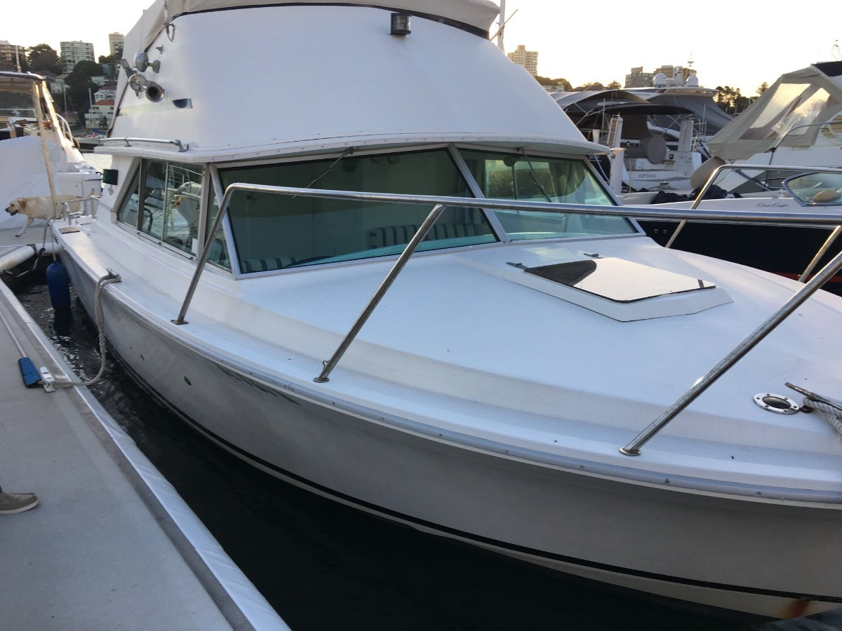 Bertram 28 Flybridge Recently refurbished