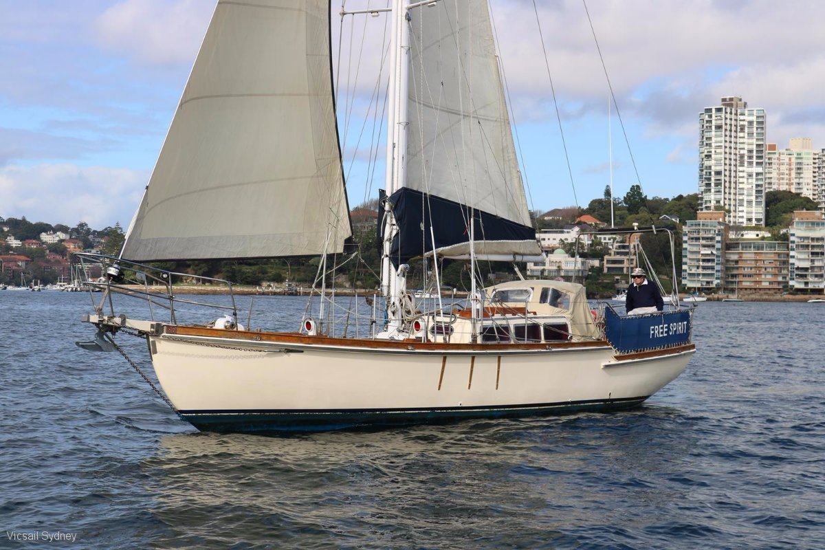 Cutter Rigged Sloop