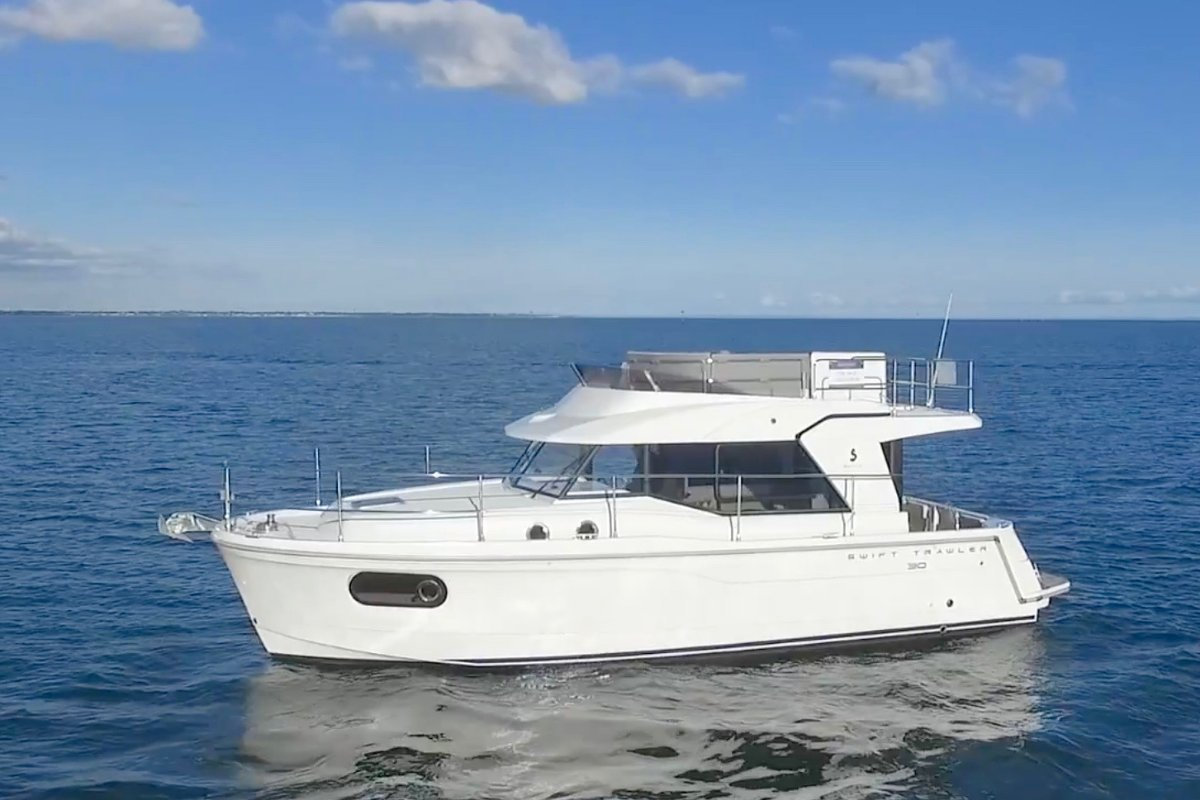 Beneteau Swift Trawler 30 - 2016 Demonstrator Model - SAVE OVER $50,000*