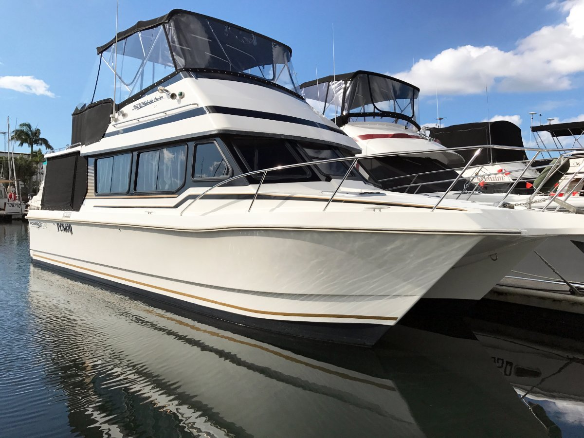 Powercat 3800 Flybridge - Awesome Boat at a LOW Price