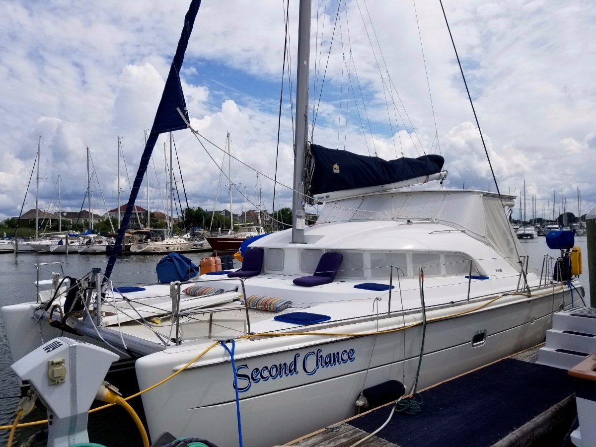 Lagoon 380 Owners Version
