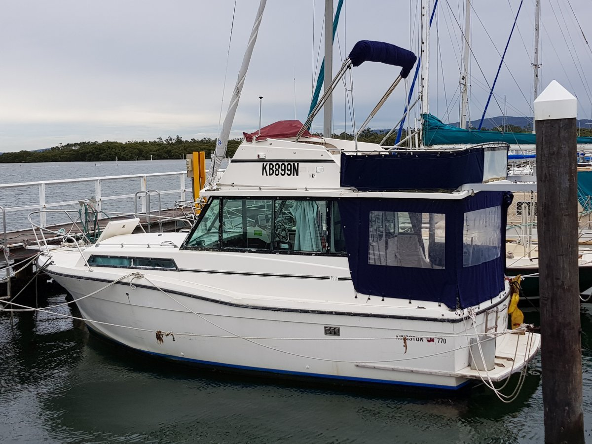 Kingston 770 Flybridge