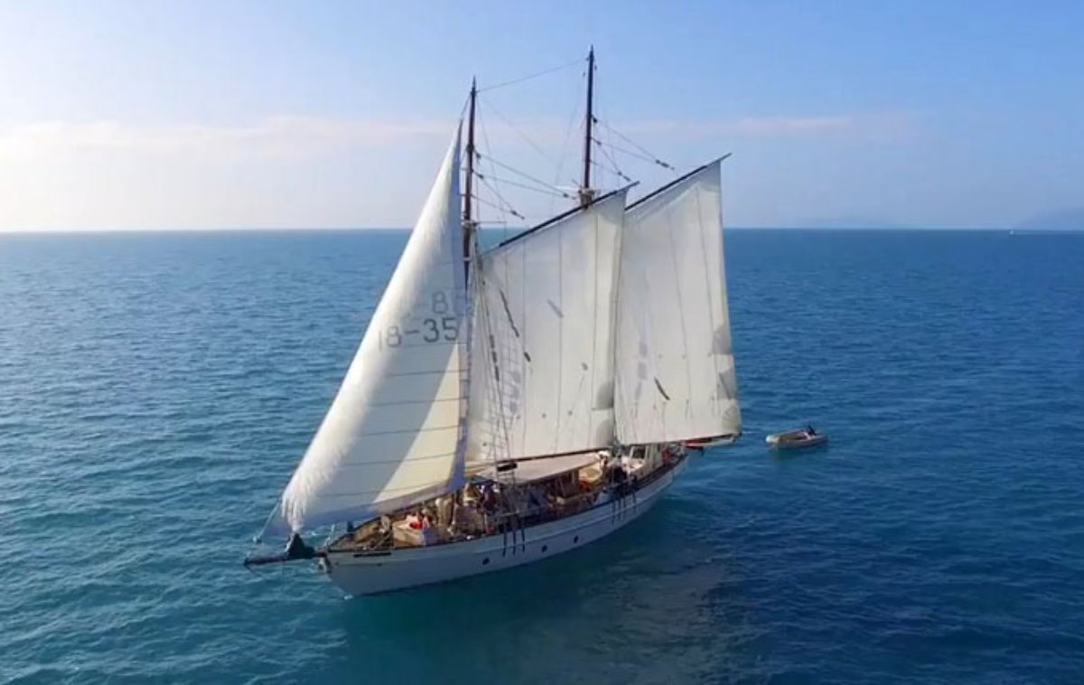 Tall Ship Adventures - Whitsunday Charter Busines