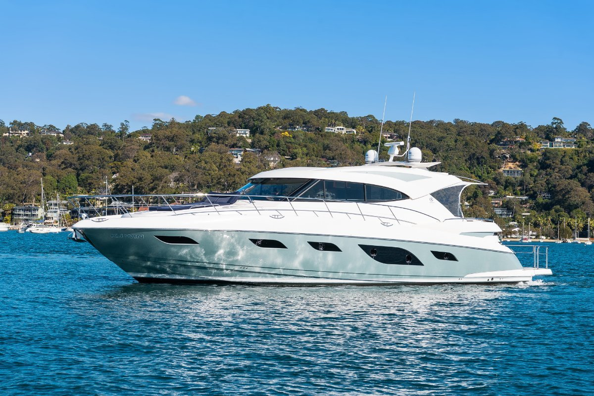 Riviera 6000 Sport Yacht AS GOOD AS NEW