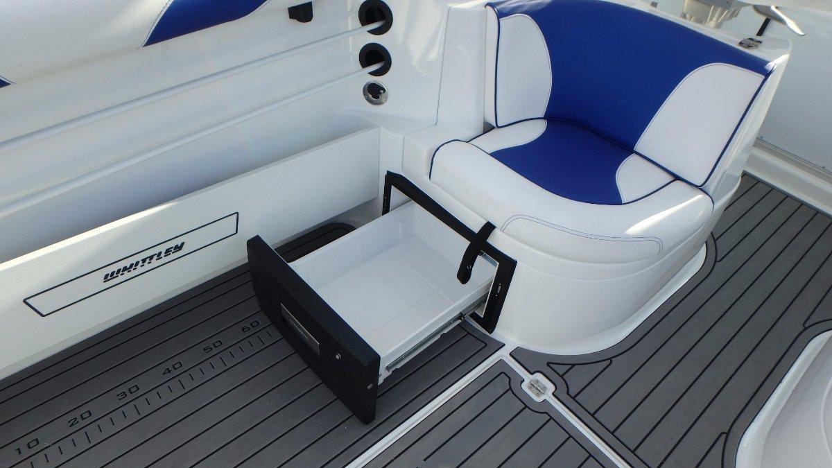 Whittley Sl 25 Ht + Volvo V6-240-G DPS-B 240hp Petrol Sterndrive
