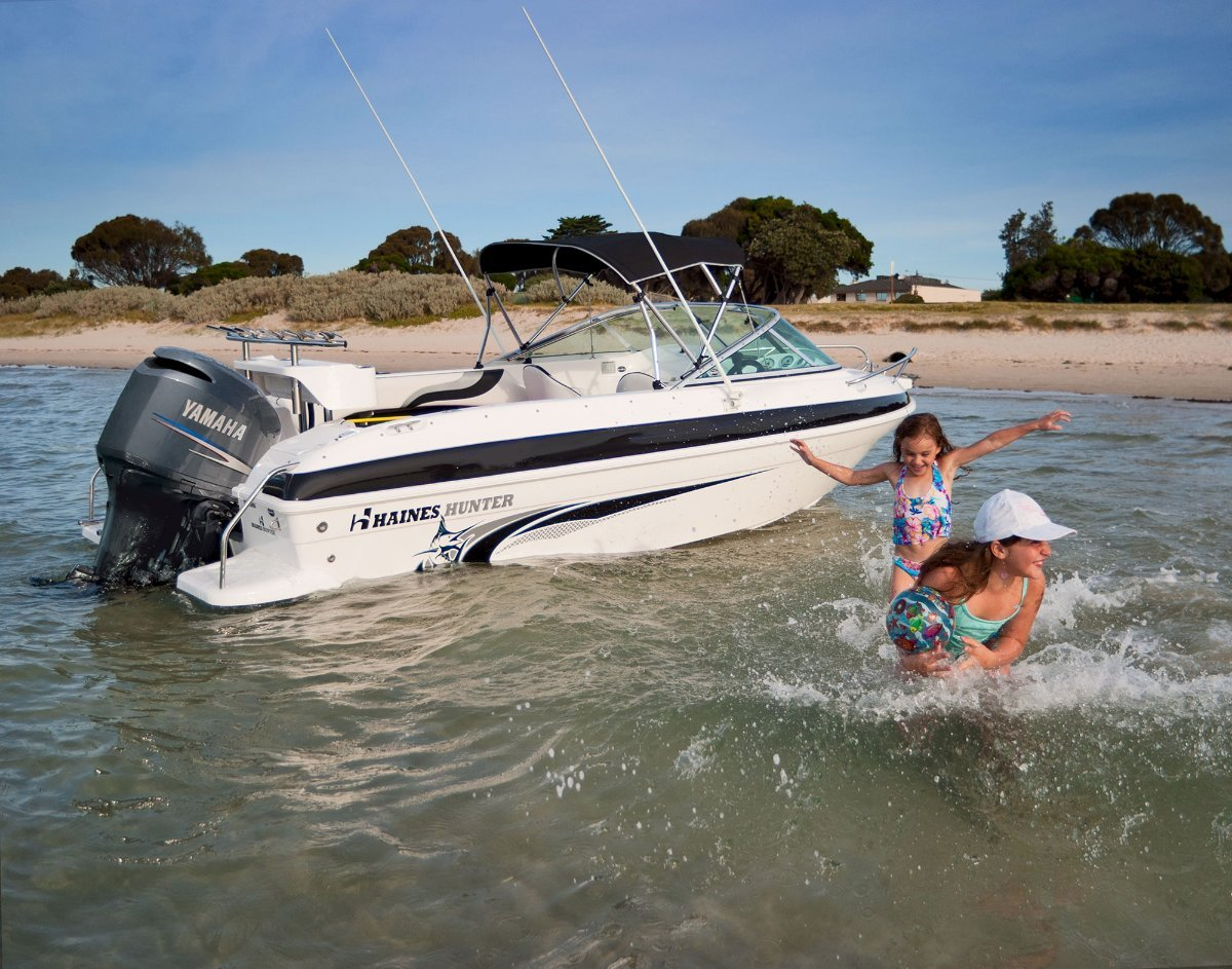 Haines Hunter 520R powered with 115 HP Yamaha 4 ST $43250.00