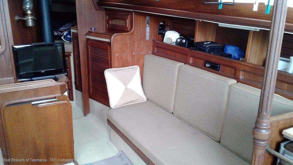 Sorceress Islander 36 Beautifully presented large volume cruising yacht Boat Brokers of Tasmania