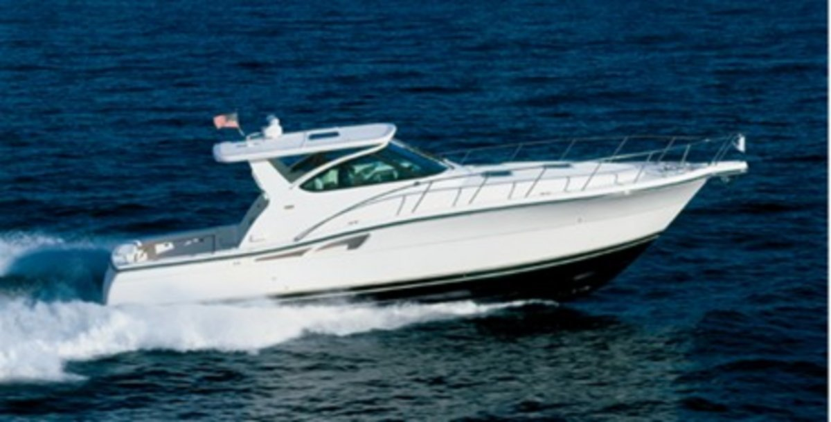 Tiara 4200 Open:Sistership Photo