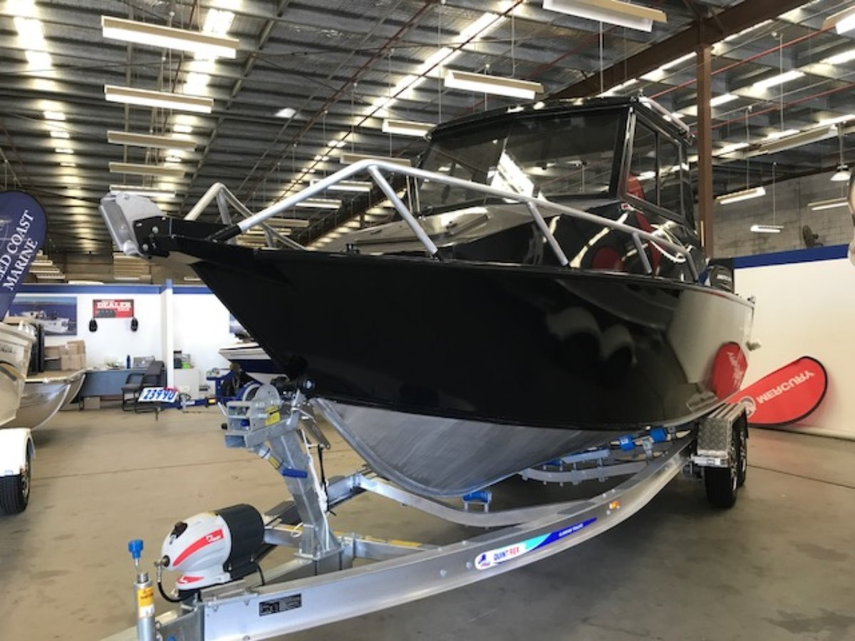 New Quintrex 7000 Yellowfin HT Southerner