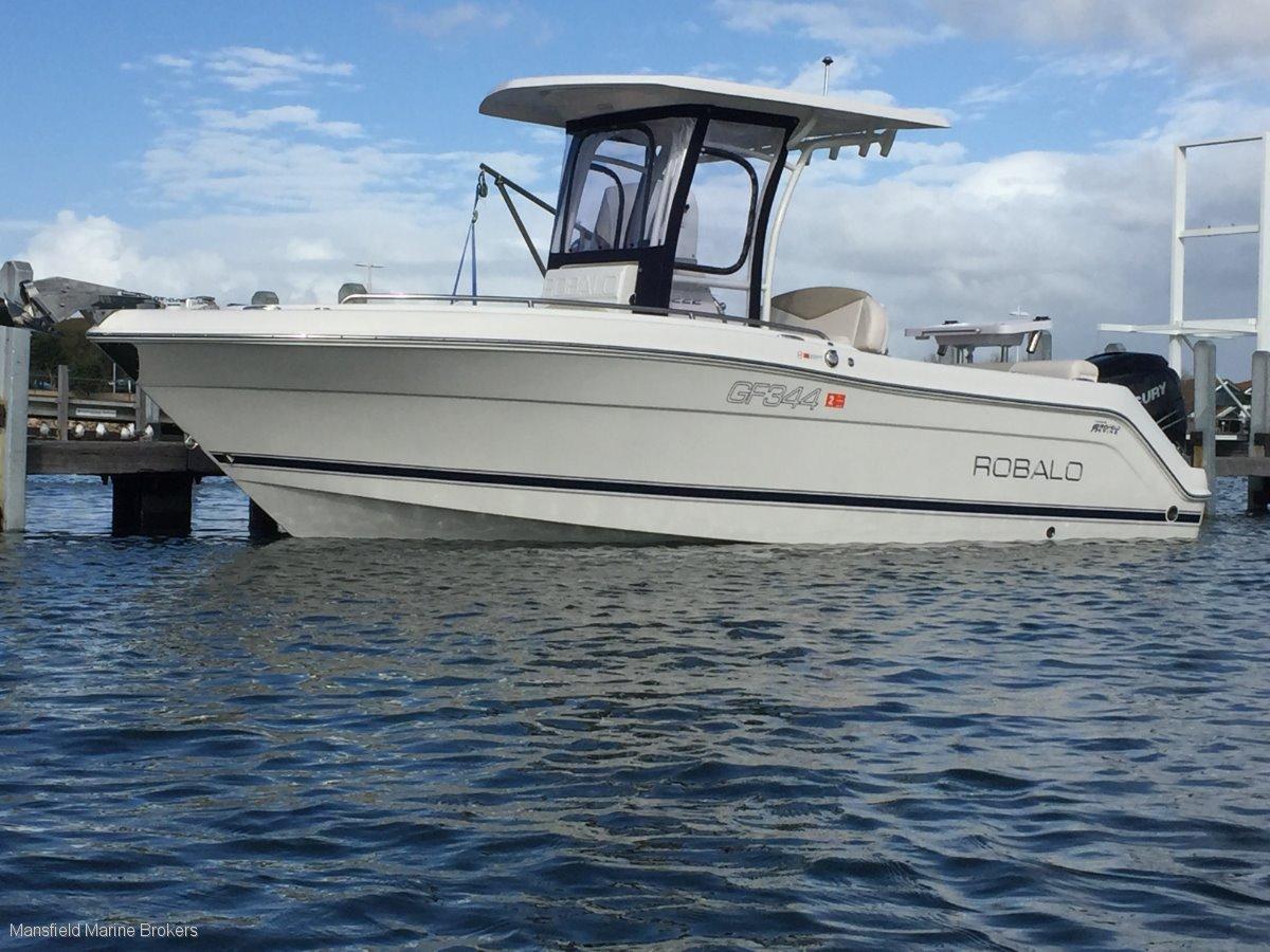 New Robalo R222:Premium Robalo R222 CC
