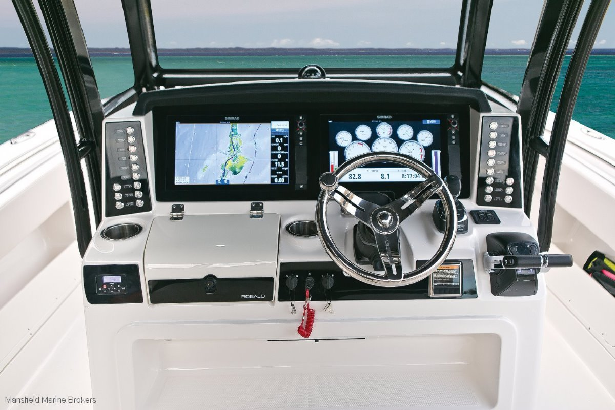 Robalo 302:Premium finish and styling