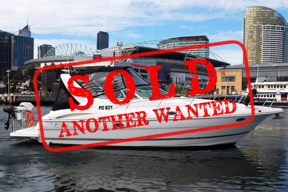 Cruisers Yachts 320 Express - SOLD - ANOTHER WANTED