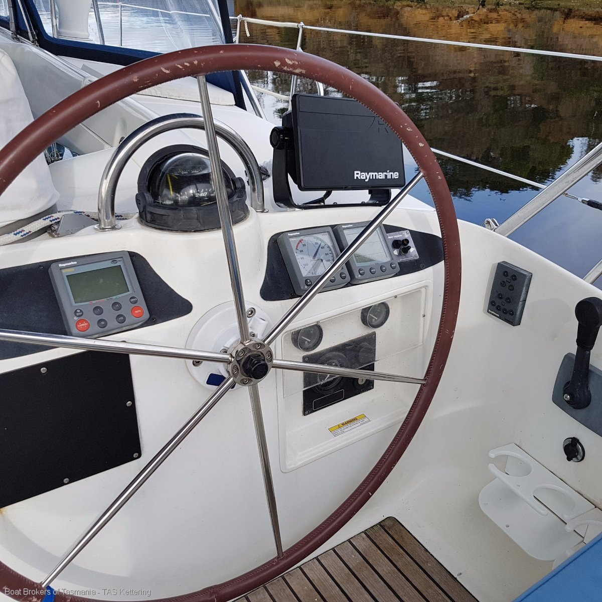 Beneteau 50.3 cabins and 3 heads layout.