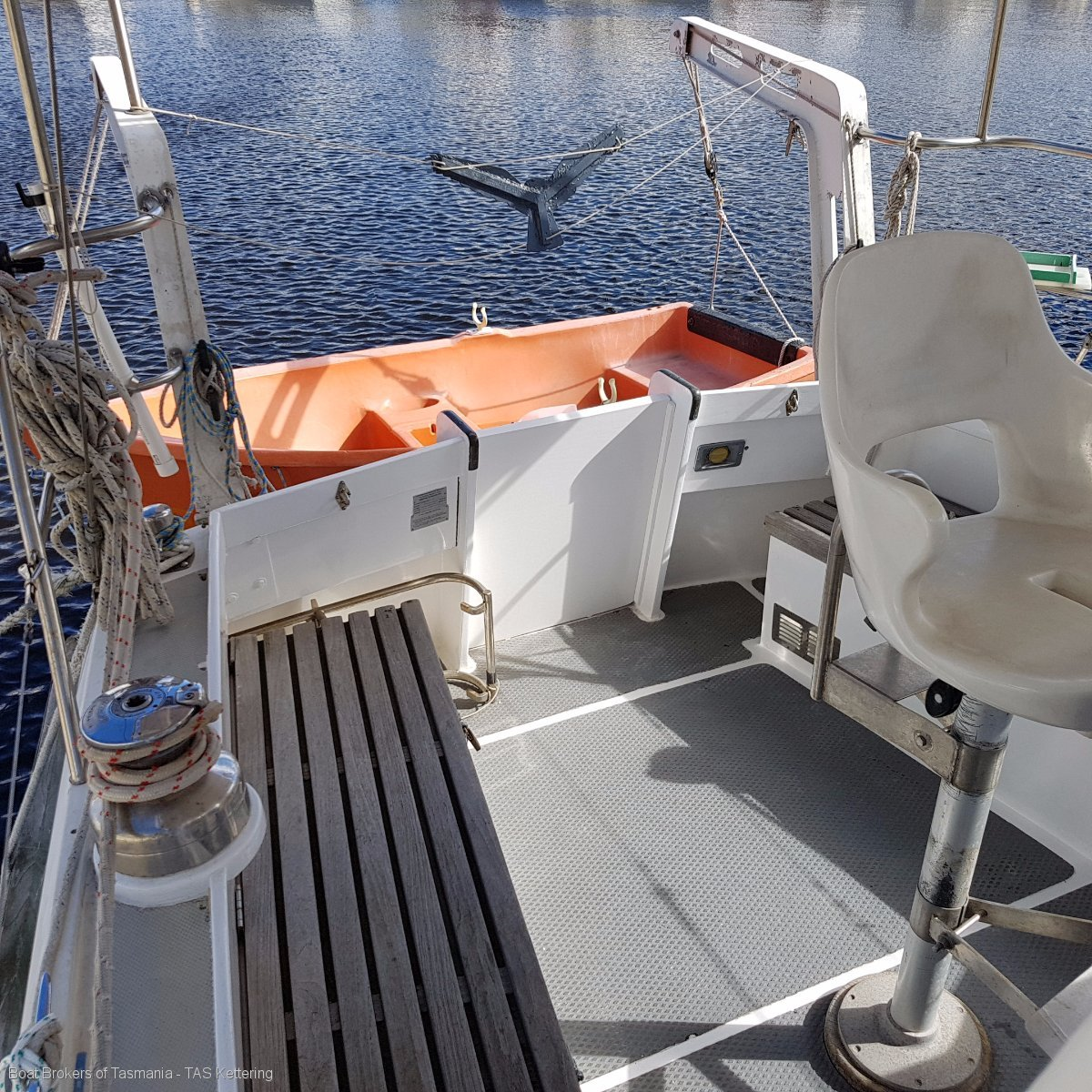La Valette Halvorsen HMG 31 all fibreglass cruising Motor Sailer. Boat Brokers of Tasmania