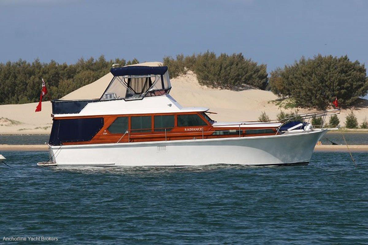 Griffin 42 Flybridge Motor Cruiser