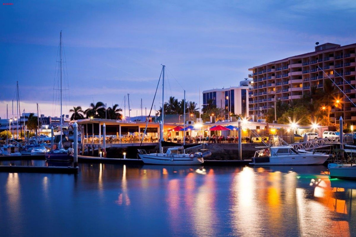 FOR SALE: 10m berth Townsville Yacht Club marina superb facilities in CBD