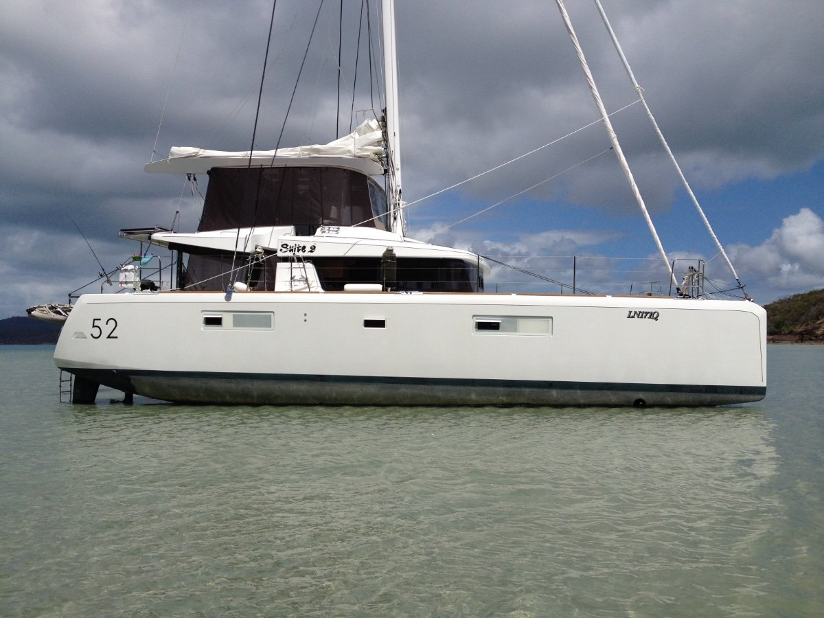 Lagoon 52 Flybridge:Sitting on keels