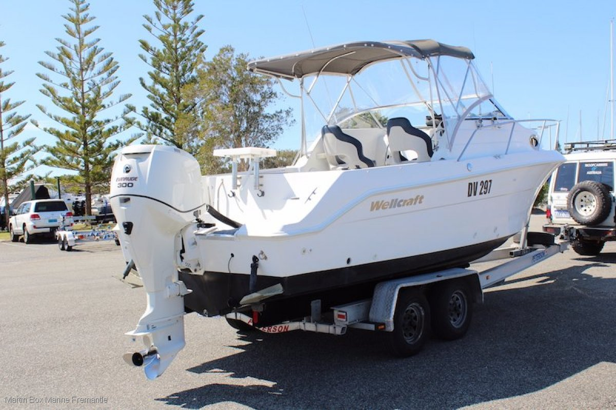 Wellcraft Coastal 252