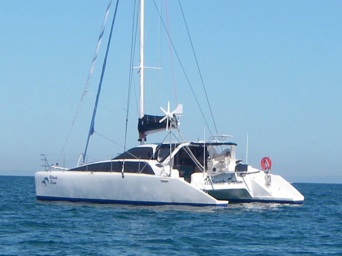 Lightwave 38 Catamaran