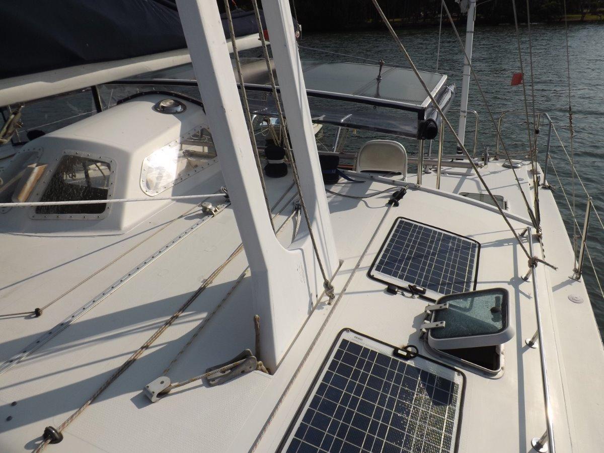 Banshee 35 Catamaran
