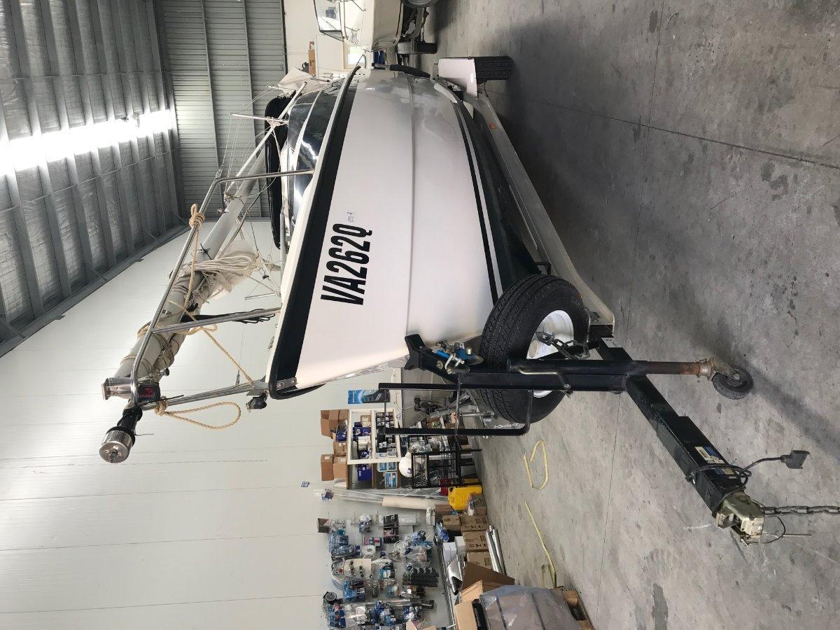 Macgregor 26M Sail Boat