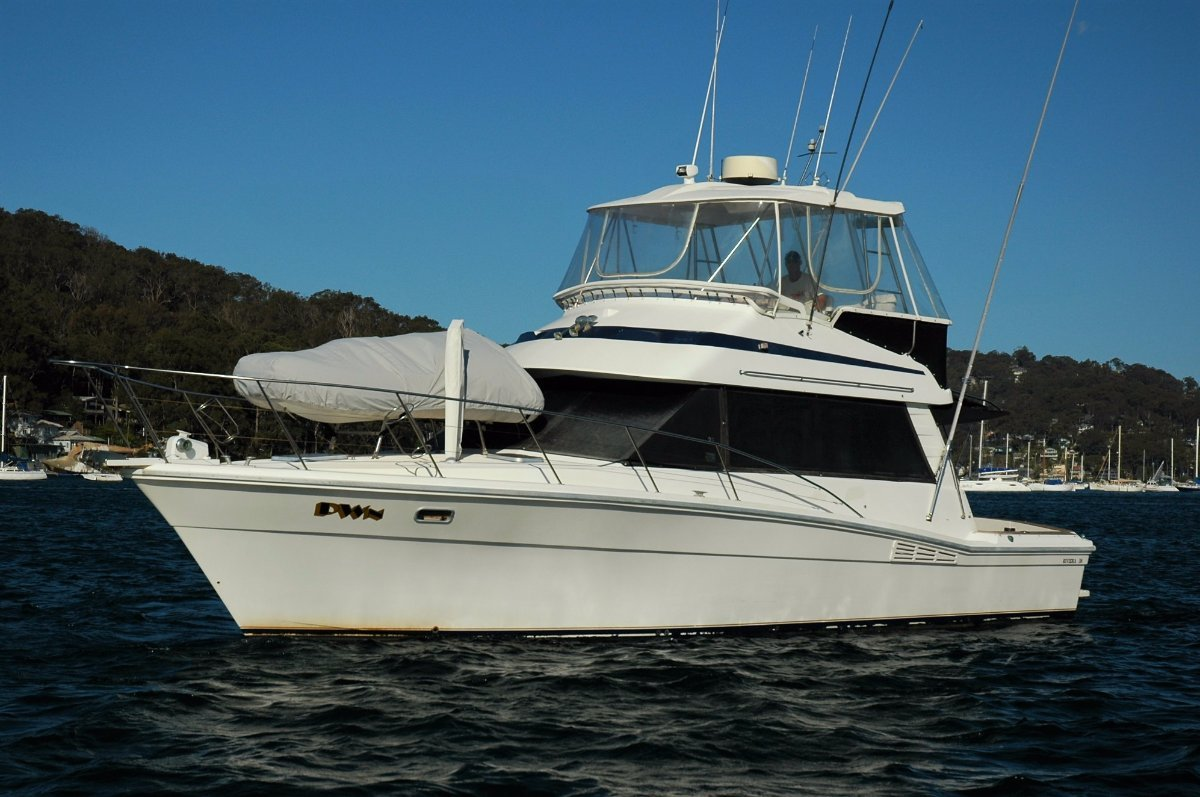 Riviera 38 Flybridge - SOLD