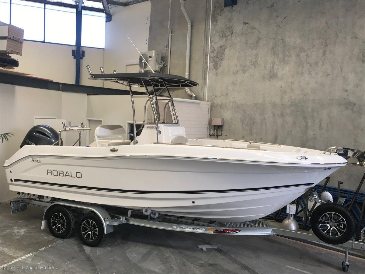 New Robalo R200