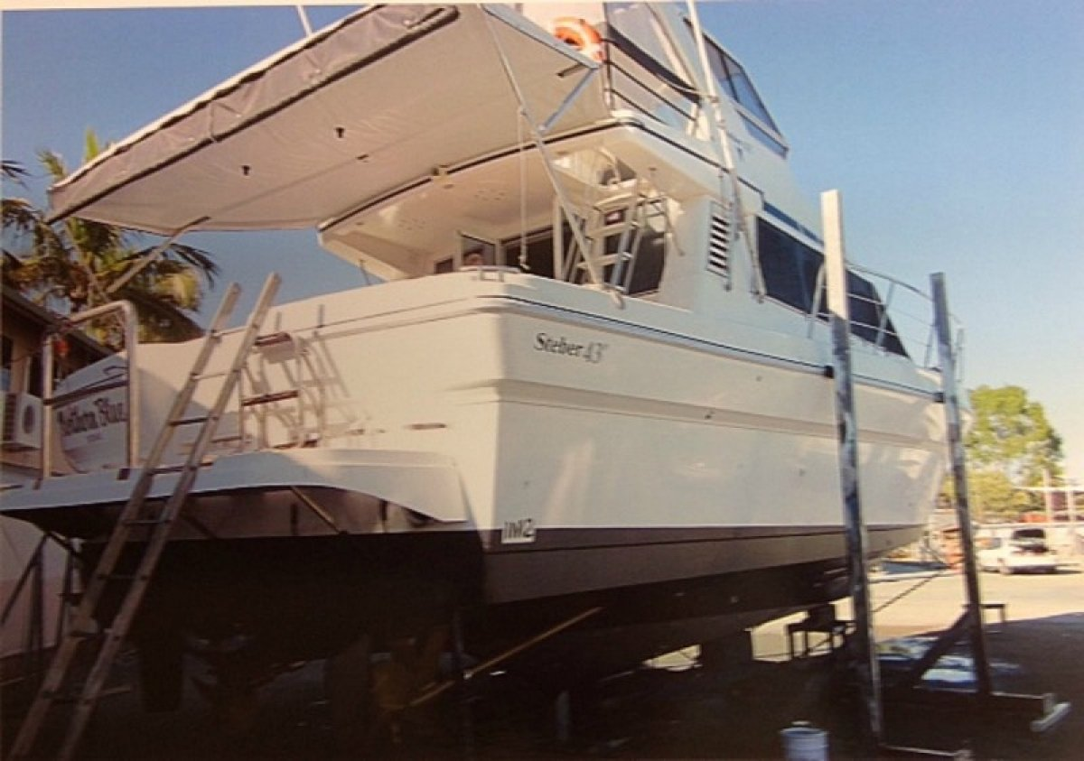 Steber 43 Flybridge Cruiser