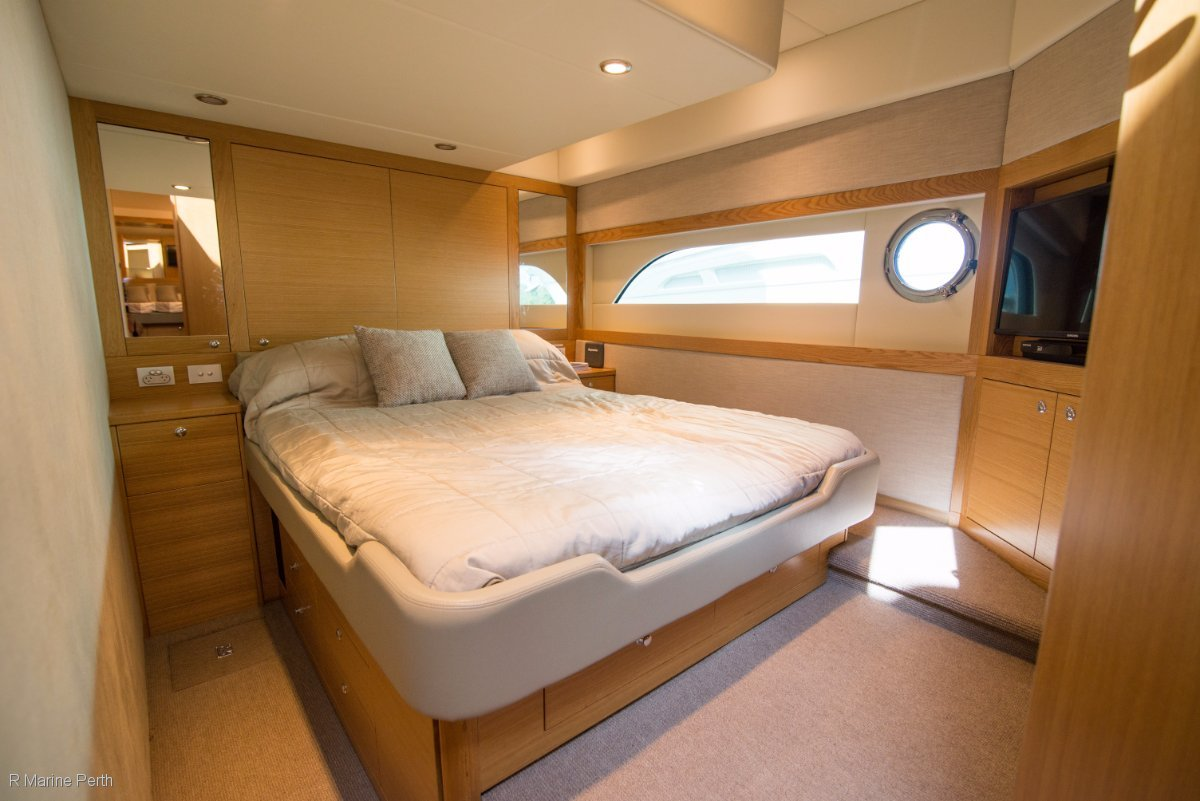 Riviera 50 Enclosed Flybridge