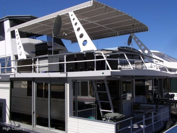 Houseboat Holiday Home on the Water of Lake Eildon:Ultra @ Lake Eildon
