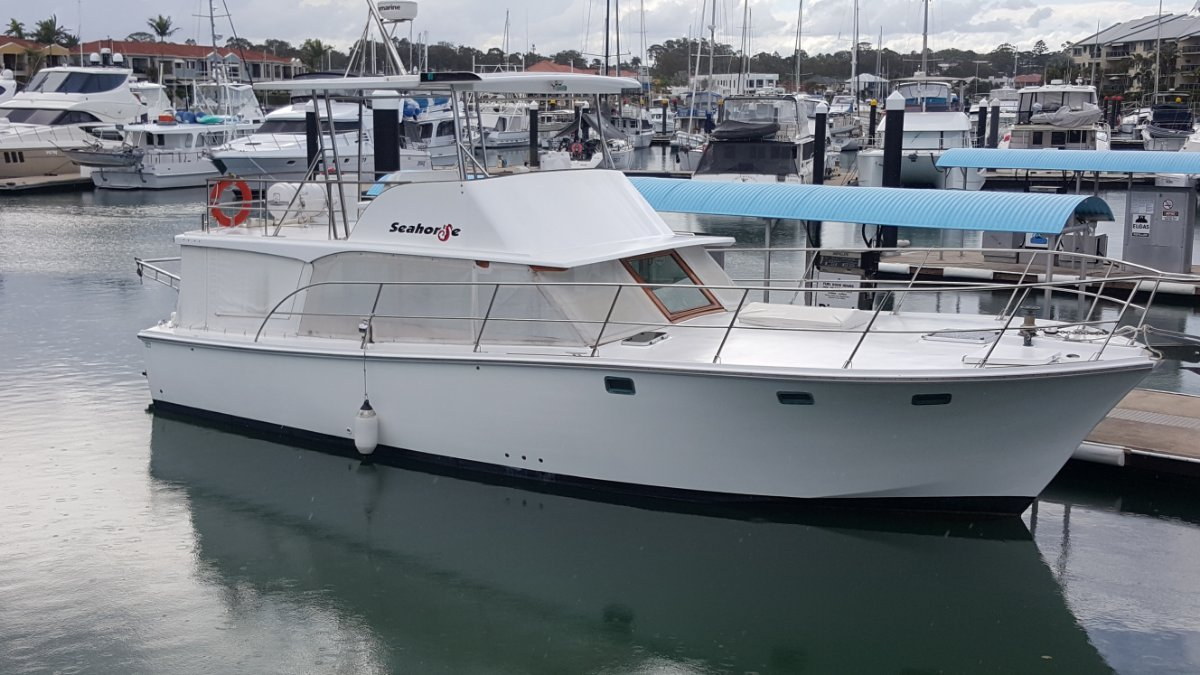 Williams 45 Flybridge Cruiser