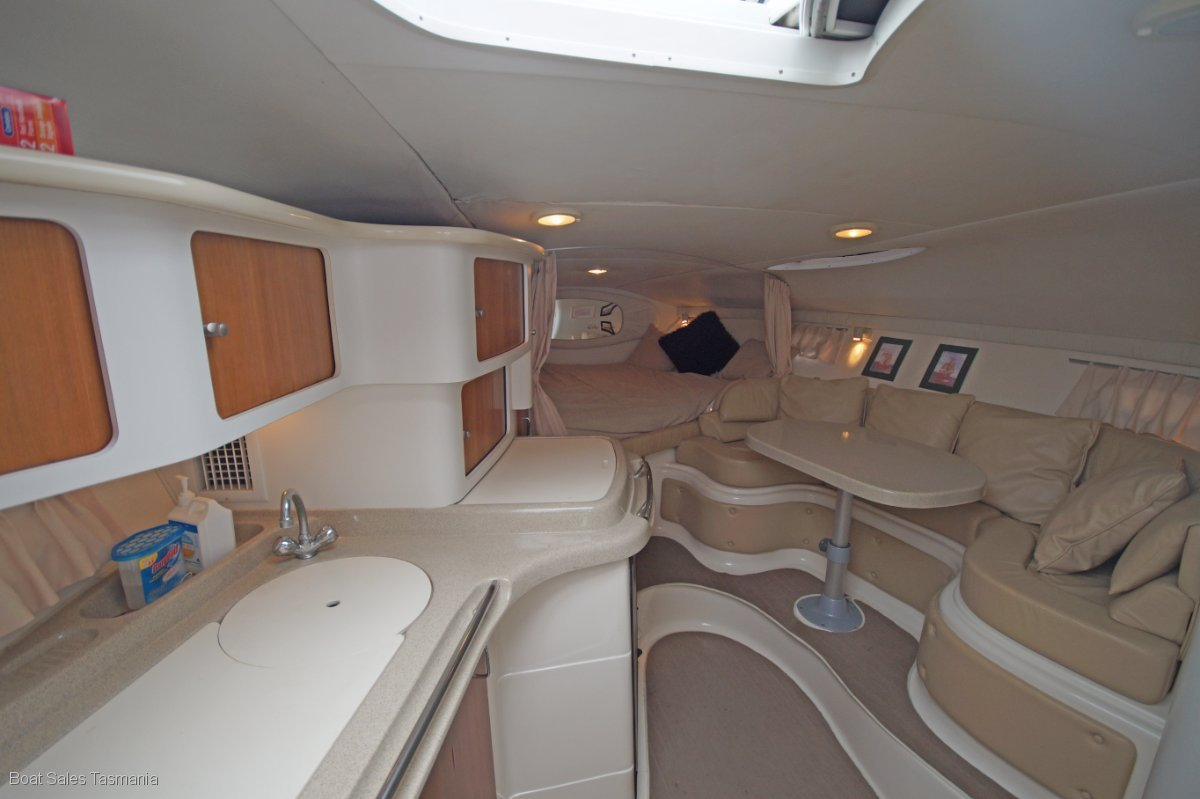 Chris Craft 328 Express Cruiser 'In Reality'
