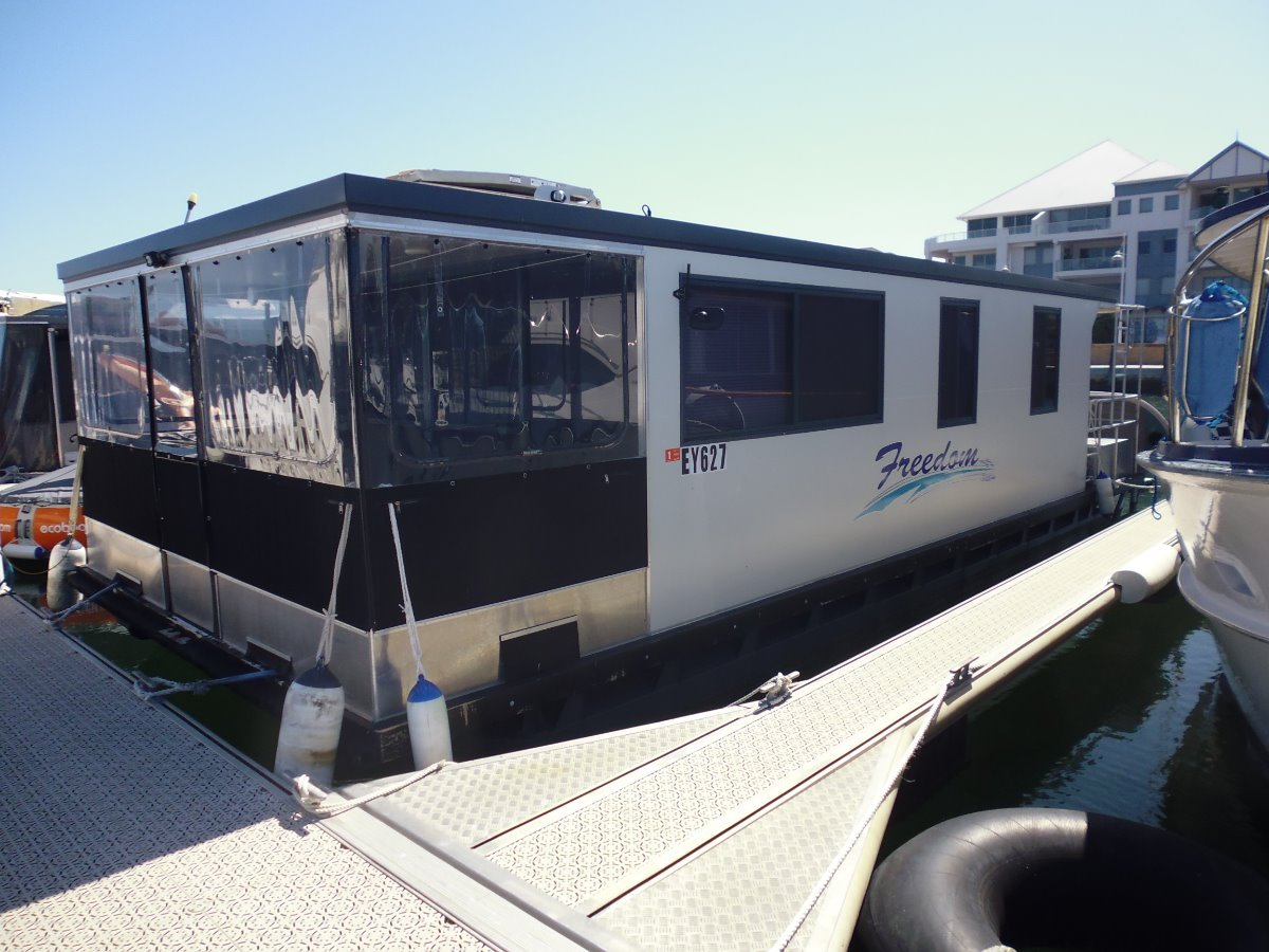 Wow a houseboat for the family